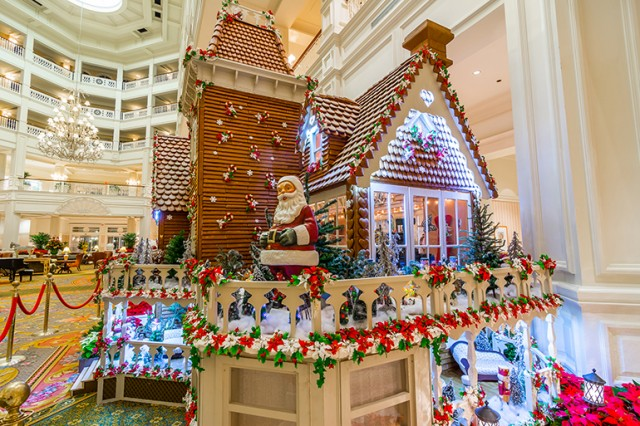 Gingerbread House at the Grand Floridian.  Photo by WDW Shutterbug.