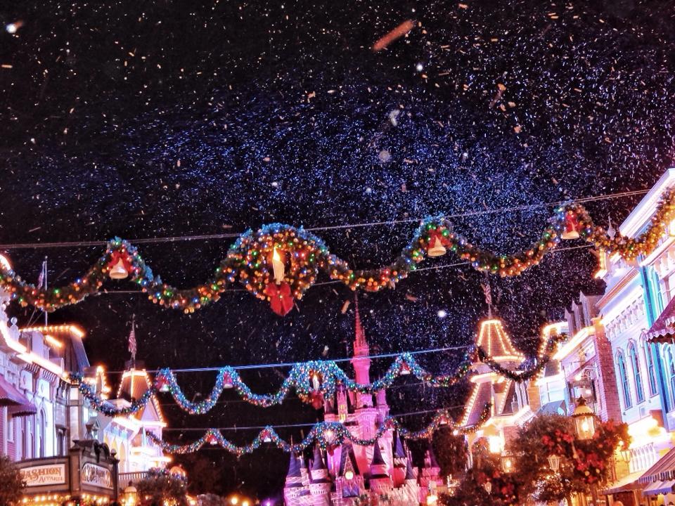 BLIZZARDS and Walt Disney World?!