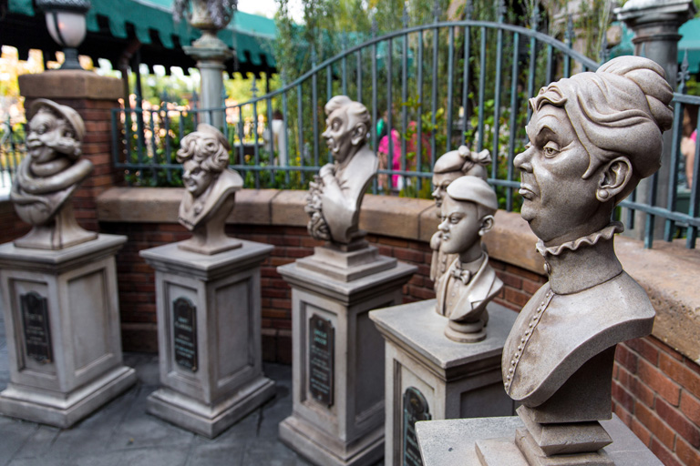 haunted mansion what does disney world look like