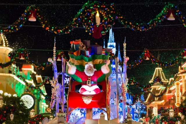 The perfect end to My Ultimate WDW Christmas Dinner! Photo by WDW Shutterbug.