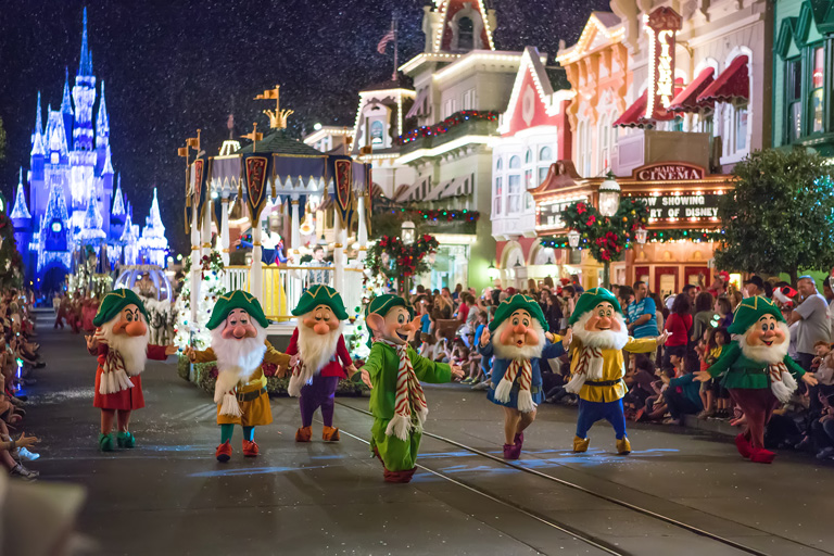 11 videos that will transport you to christmas at walt disney world - Disneyworld Christmas