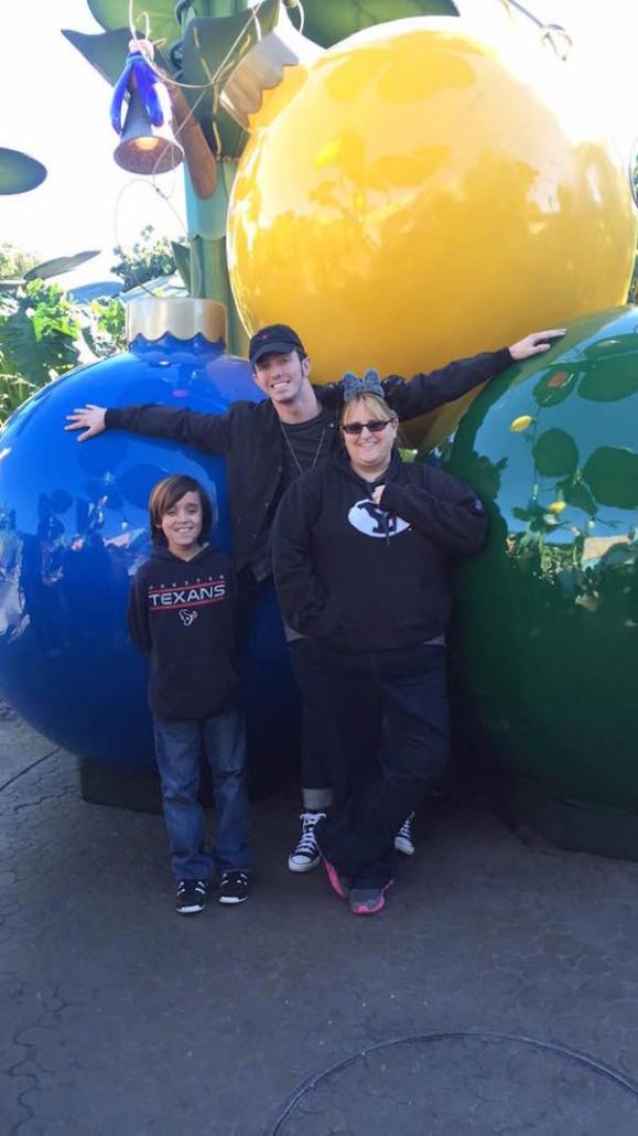 Lots of fun photo ops at Disneyland this holiday season! Photo by Tiffany Gonzales.