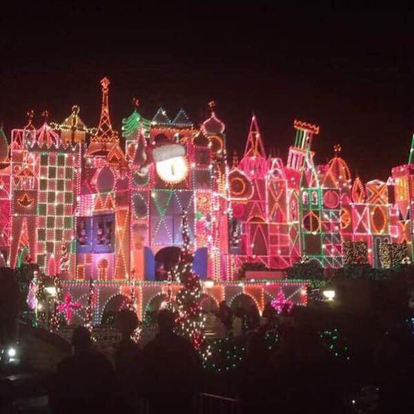 Disneyland Decorated For Christmas: Christmas At Disneyland
