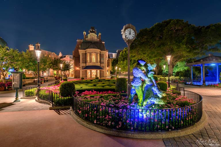Don't forget - the Festival is open at night! Phot by Mike Billick.