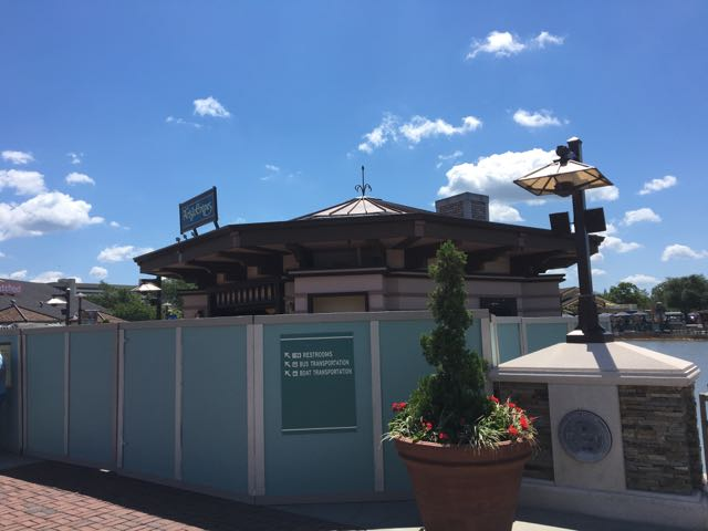Now, let's take a look over at Disney Springs!  I really wish I could've tried a crepe here...