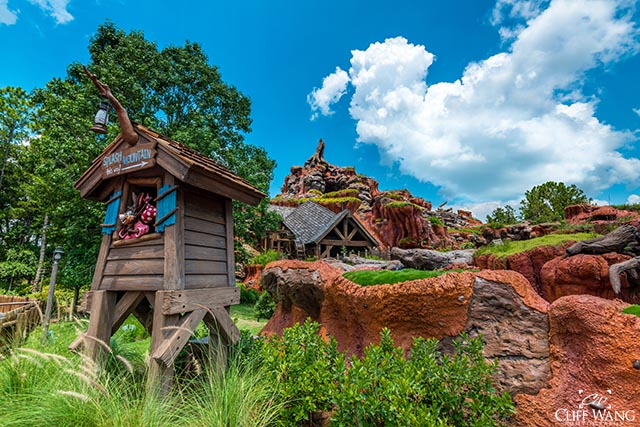 Splash Mountain is Pooh friendly