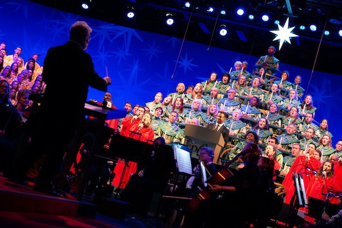 2021 candlelight processional returning to epcot