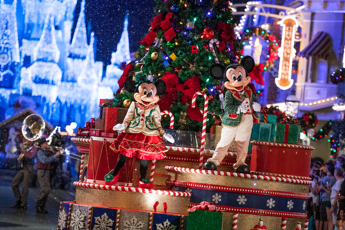 what does disney world look like at christmas? parades