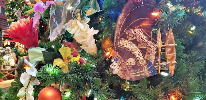 polynesian resort christmas tree at walt disney world