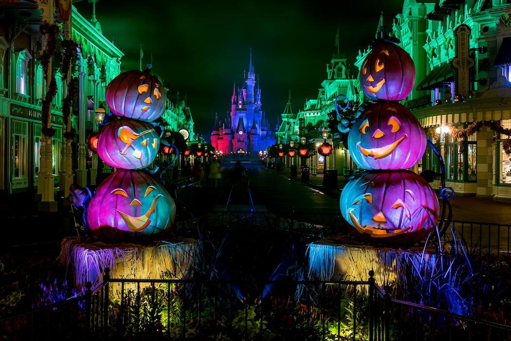 what does disney world look like at halloween: magic kingdom main street