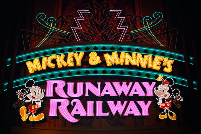 Marquee for Mickey & Minnie's Runaway Railway