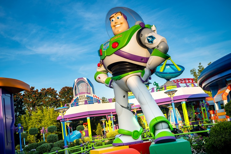 Buzz Lightyear Statue at Toy Story Land