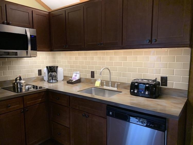 Fort Wilderness Cabin kitchen