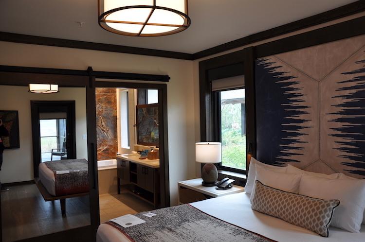 Wilderness Lodge Cascade Cabin master bedroom
