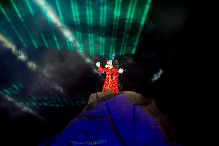 Sorcerer Mickey fantasmic