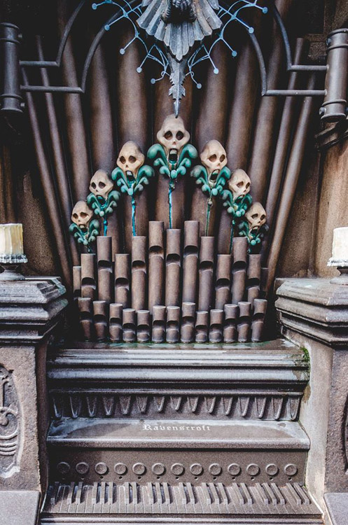Thurl Ravenscroft Organ Haunted Mansion