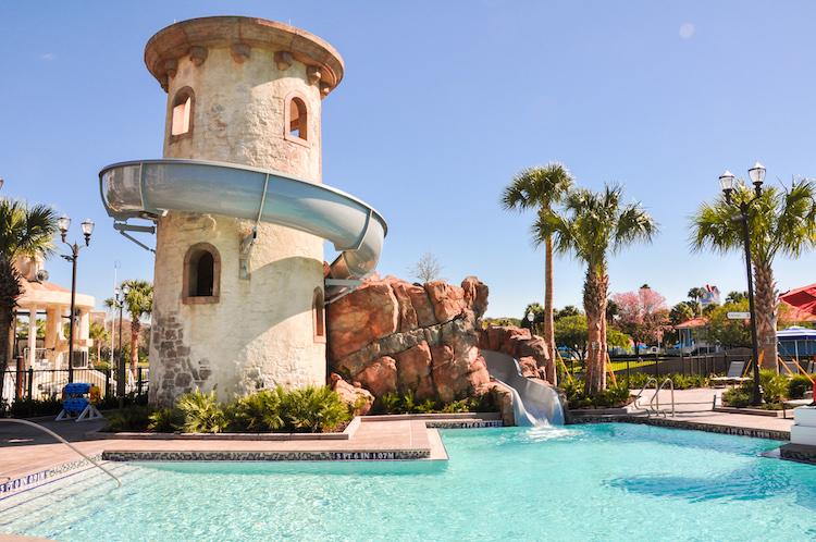 riviera resort pool