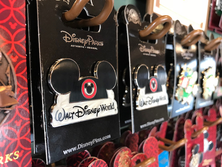 What's Open at Disney World - Pin Trading at WDW Pin Traders