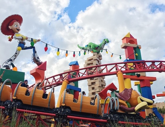 slinky dog dash Toy Story Land opened