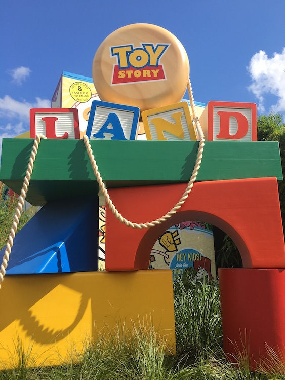 Toy Story Land opened sign