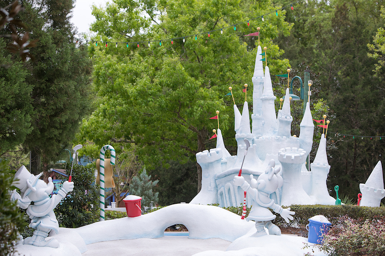 Winter Summerland Mini Golf Ice Castle What's Open At Disney World