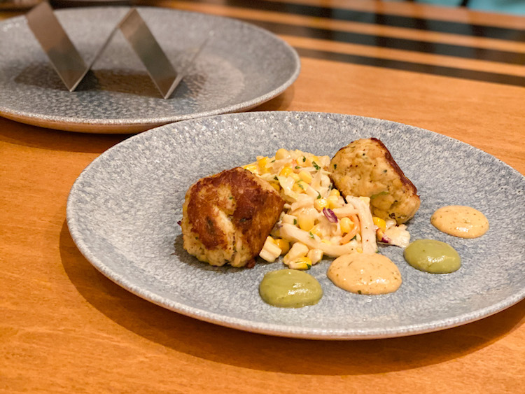 Lump crab cake and coleslaw at the wave