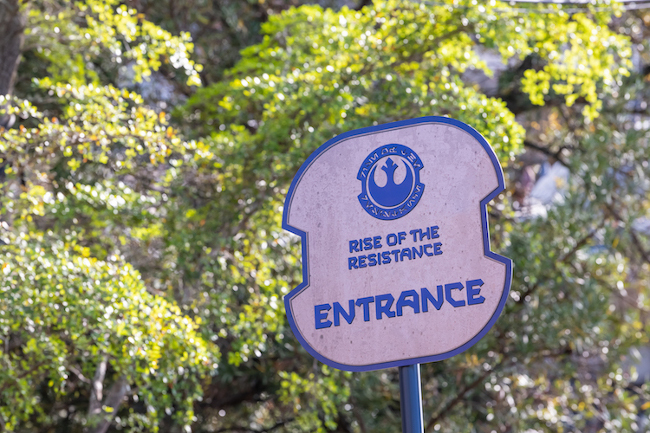 Rise of the Resistance virtual queue entrance sign