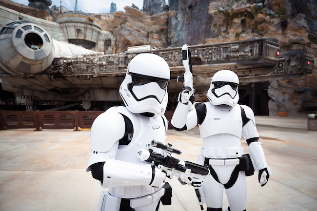 stormtroopers at galaxy's edge what does disney world look like
