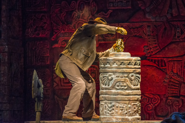 indiana jones grabbing idol off the altar