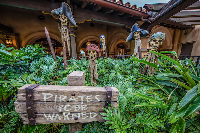 pirates of the caribbean outside ride magic kingdom myths