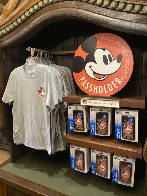 Passholder-pop-up-Shirt-And-Cases-Bryce