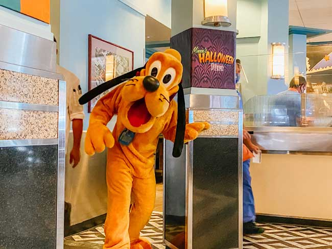 Pluto-Hollywood-and-Dine-Di