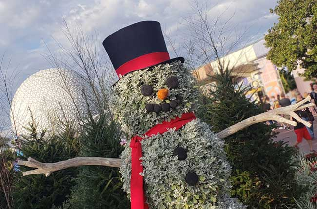 2020 Christmas at EPCOT Snowman topiary blanken