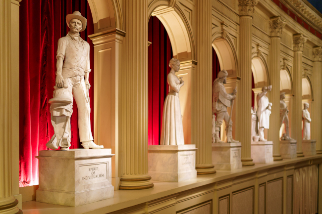 American-Adventure-Facts-Statues-Ramos