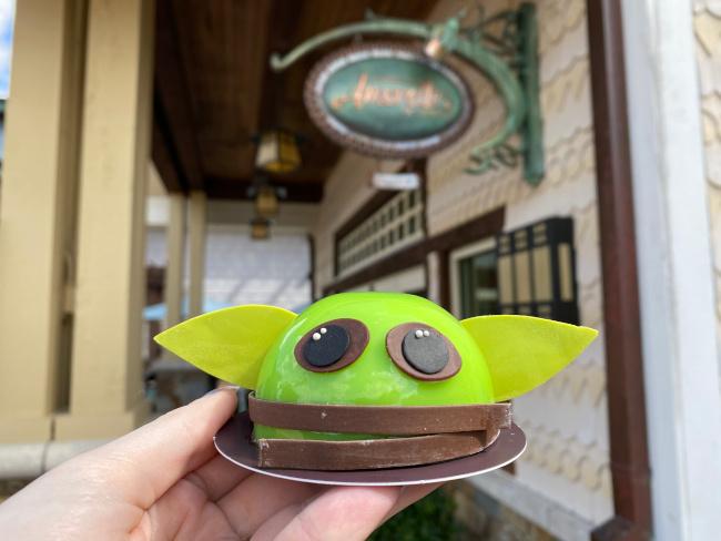 Baby-Yoda-Dome-Cake-Holding-Bryce