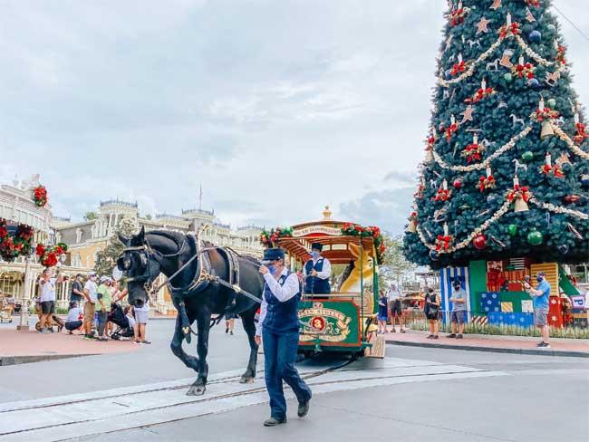 Christmas at Magic Kingdom in 2020 de la Fe