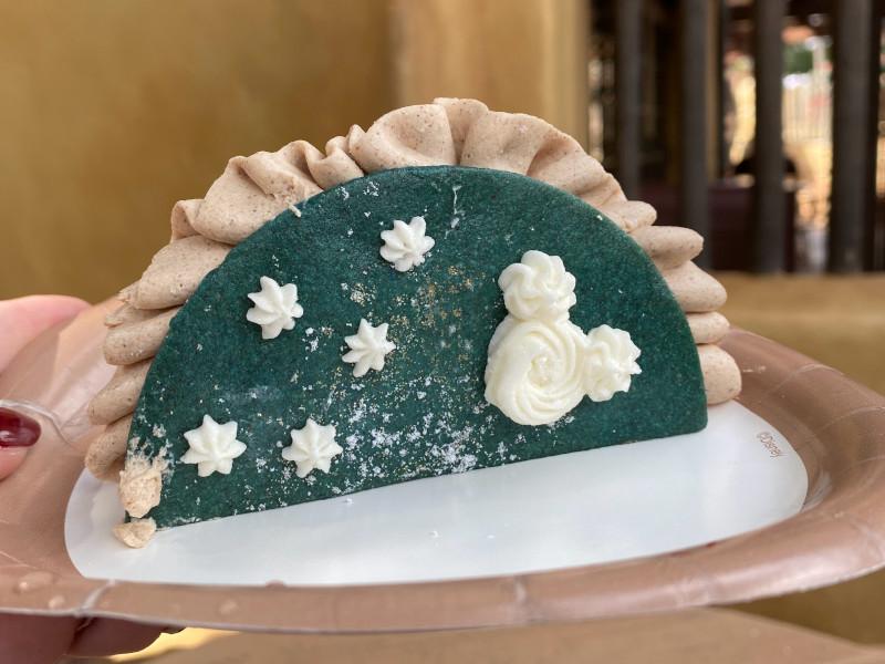 REVIEW: Let It Snow Dessert Taco at Magic Kingdom