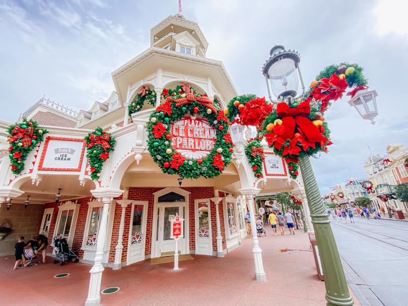 Are Christmas Decorations Still Up At Magic Kingdom 2020 PHOTOS: 2020 Magic Kingdom Christmas Decorations and MagicShots