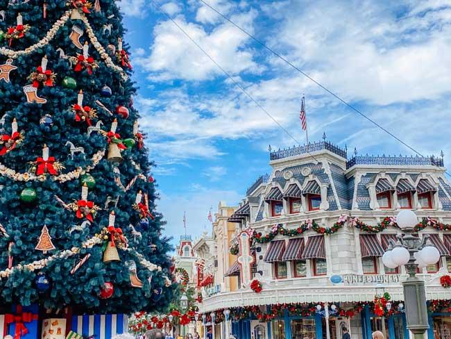 Magic Kingdom Christmas Decorations 2020 de la Fe