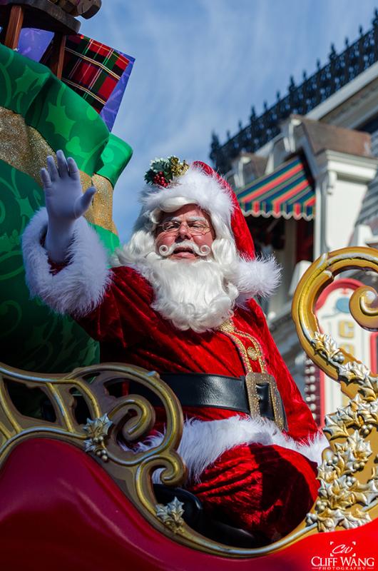 Santa-Disney-World-2020-Featured-Wang