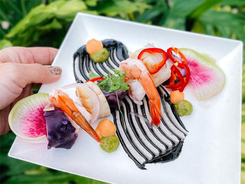 2021 EPCOT Festival of the Arts Vibrante Vivido Seafood Cocktail Featured Chiu