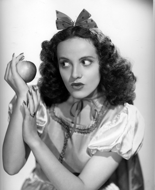 Adriana-Caselotti posing with an apple