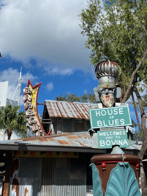 The house of Blues at Disney Springs - what does disney world look like