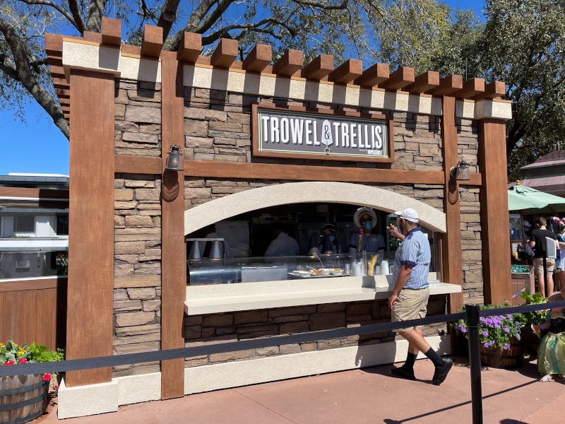 Trowel and Trellis Booth at the 2021 EPCOT Flower and Garden Festival