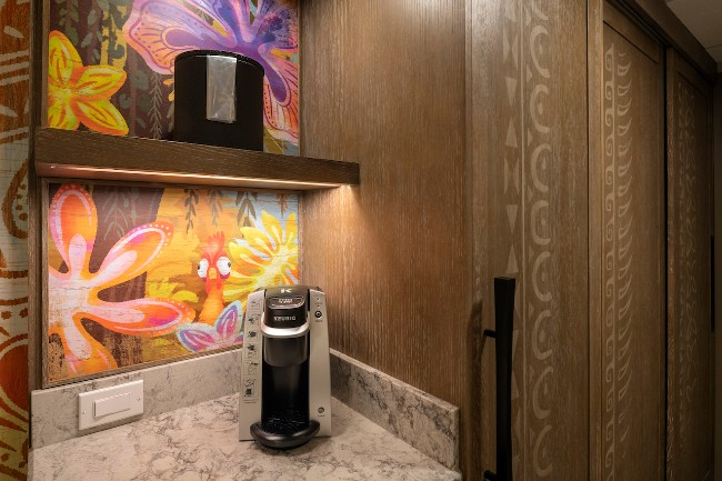 kitchenette in moana room at polyensian