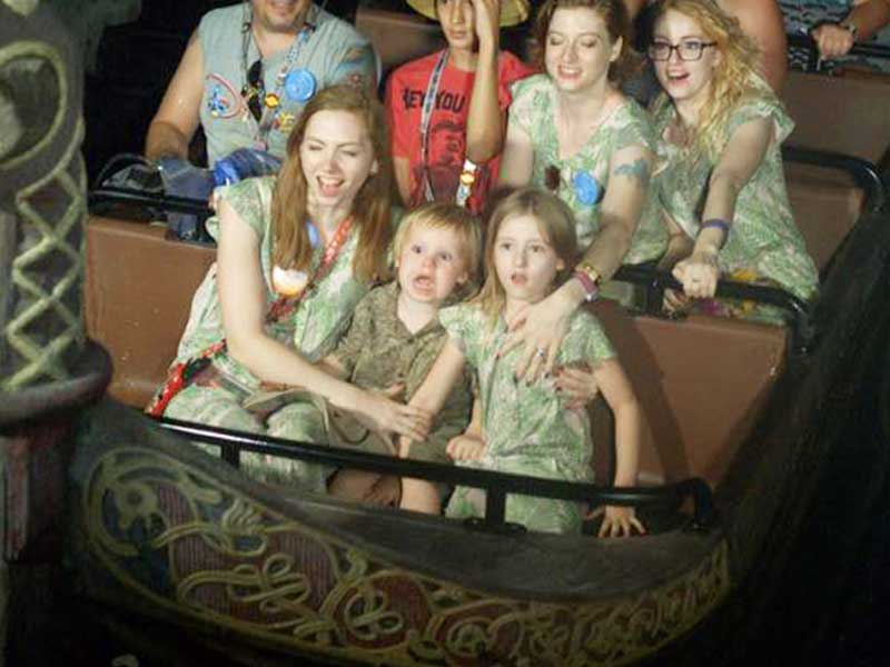 First Look: Guests Without Masks at Disney World Indoors
