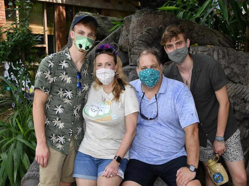 wdw-guests-masked-featured_disney-parks-blog