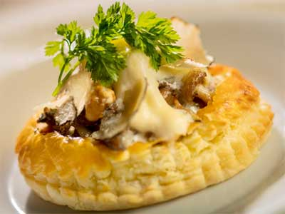 2021-America-Rotunda-Bistro-Wild Mushroom and Truffle Tart-EPCOT-Food-and-Wine-Disney-Parks-Blog