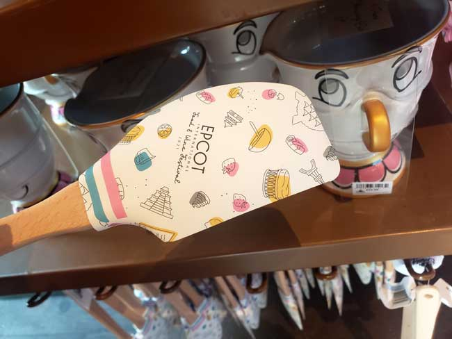 2021-EPCOT-Food-and-Wine-Merch_Be-Our-Guest-Spatula_Lumiere_Blanken