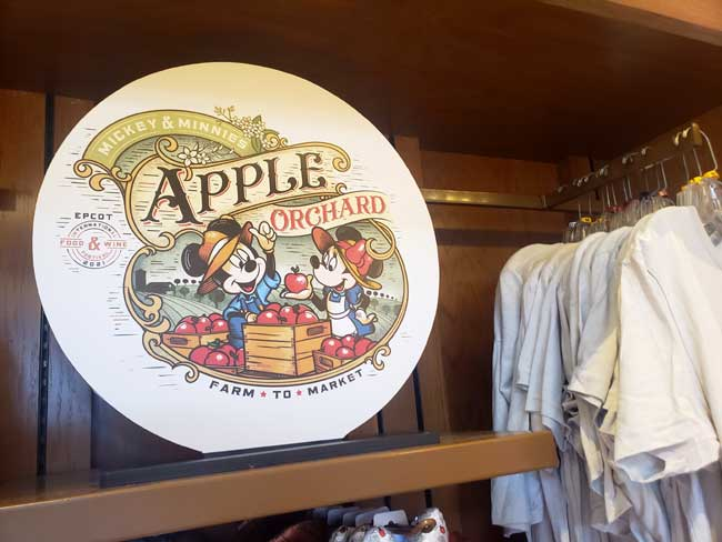 2021-EPCOT-Food-and-Wine-Merch_Mickey_Apple-Orchard_Collection_Blanken
